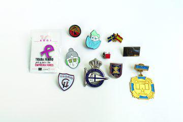Pins metálicos